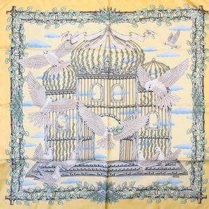 Hermés Scarf Silk Vintage Yellow Envol Dove